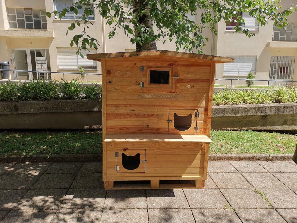 Abrigo colocado na Urbanização S. José.